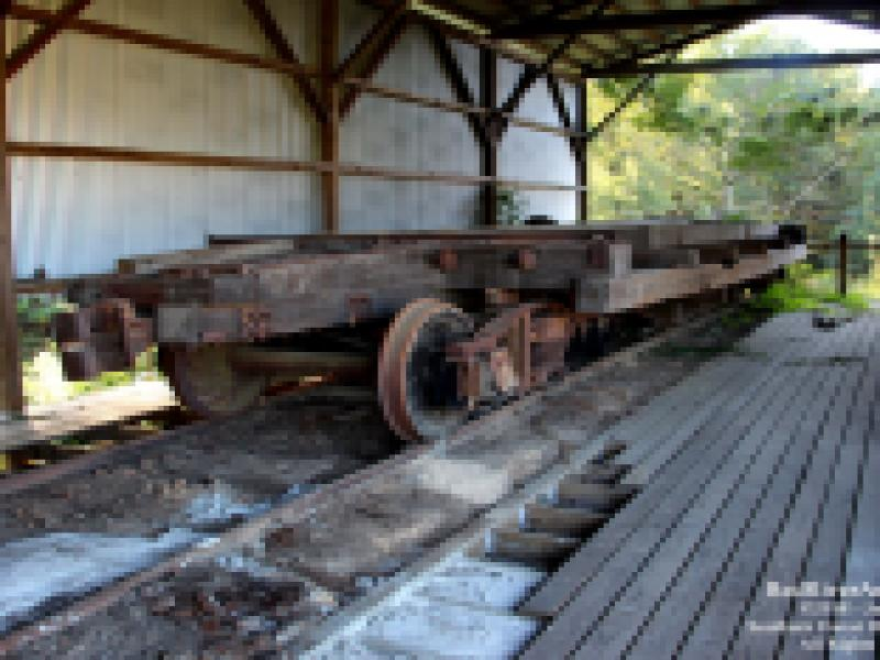 Red River & Gulf Engine #106 Work Session - Intact Log Car